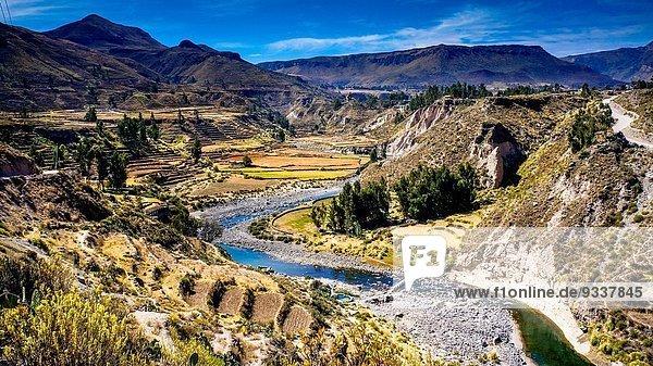 Wasser Springbrunnen Brunnen Fontäne Fontänen Amerika Wärme Gesundheitspflege Ozean Sperre Kolumbien Zierbrunnen Peru