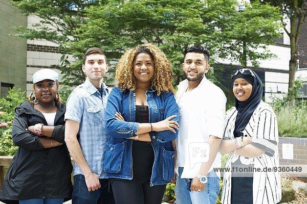 Portrait von Studentenfreunden am College