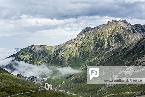 Frankreich  Hautes-Pyrenees  Skigebiet La Mongie und Pass Col du Tourmalet