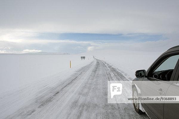 Ländliches Motiv ländliche Motive Auto Landschaft fahren Schnee Fernverkehrsstraße