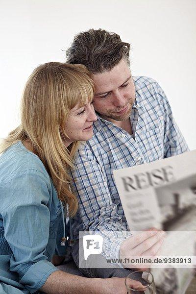 Zusammenhalt Zeitung vorlesen