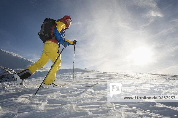 Skifahrer unbewohnte entlegene Gegend Bewegung
