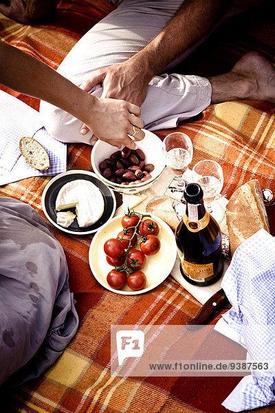 Außenaufnahme Picknick Champagner freie Natur