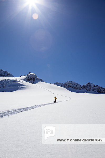 Skifahrer gehen