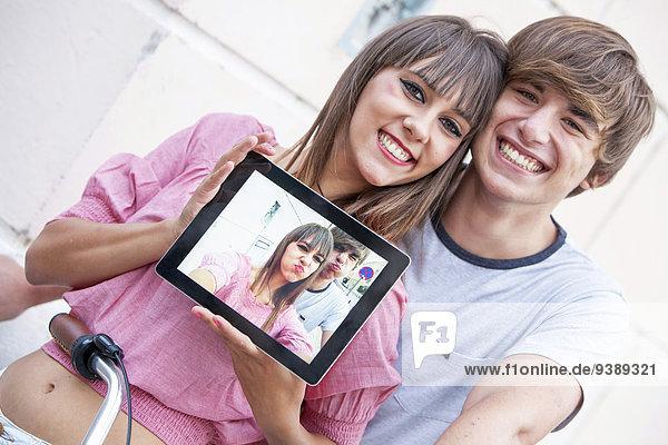 Portrait nehmen jung Tablet PC Einsamkeit