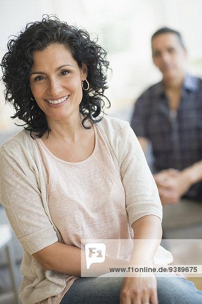 Portrait Frau Mann lächeln Hintergrund