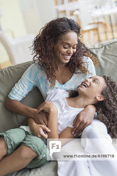 Couch Tochter 5-9 Jahre 5 bis 9 Jahre Mutter - Mensch kitzeln