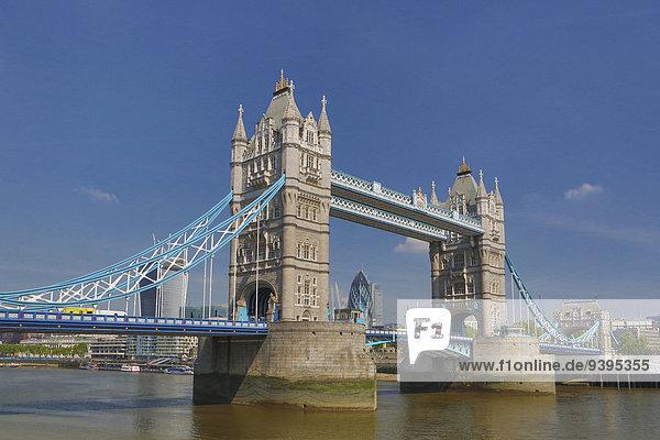 Skyline Skylines Großbritannien London Hauptstadt Reise Großstadt Architektur Wahrzeichen Brücke Fluss Themse England Tourismus Tower Bridge