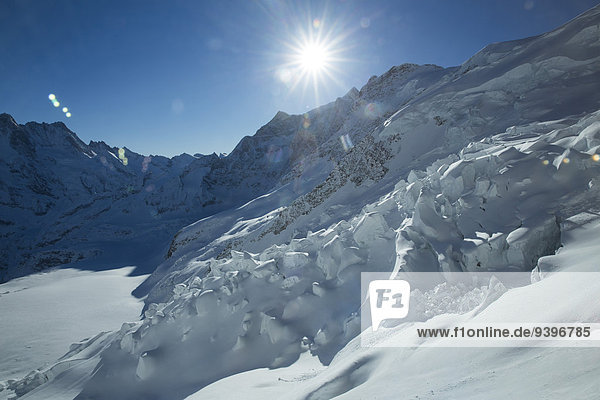 Europa Berg Winter Eis Berner Alpen Moräne Berner Oberland Kanton Bern Mönch Schweiz
