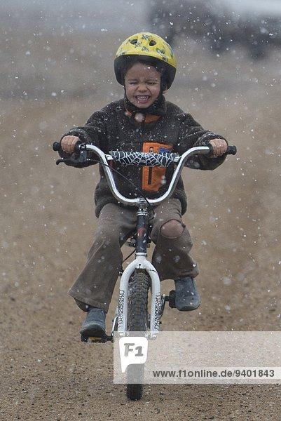 Junge - Person fahren Schnee