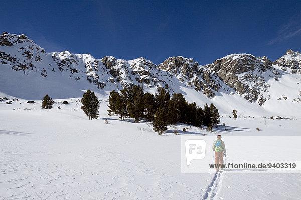 nahe Skifahrer Himmel groß großes großer große großen unbewohnte entlegene Gegend Bienenstock