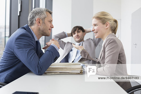lächeln Büro Besuch Treffen trifft Kollege