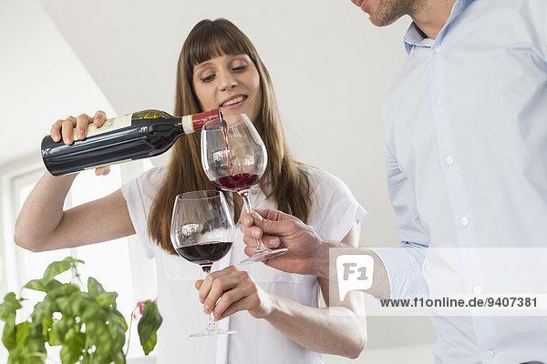 Zusammenhalt Glas Wein