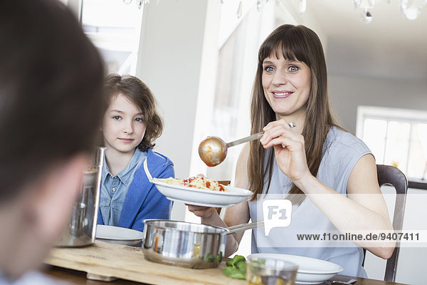 Gericht Mahlzeit Kind Mutter - Mensch