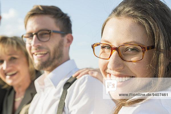 Außenaufnahme junge Frau junge Frauen Portrait Mensch zwei Personen Menschen lächeln 2 freie Natur