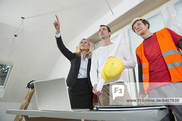 bauen Manager arbeiten Gebäude neu