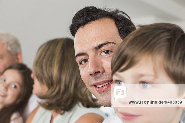 Portrait lächeln Seitenansicht