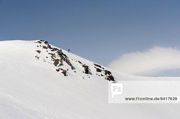 Mann Alpen Skisport Ski Hang steil
