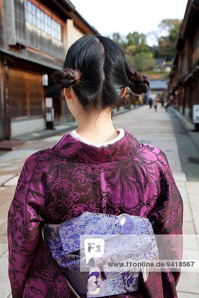 jung Mädchen japanisch Kimono