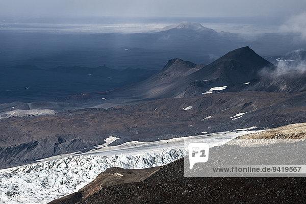 Eisformationen  vulkanische Bergkette Kverkfjöll  am nördlichen Rand des Gletschers Vatnajökull  Hochland  Island