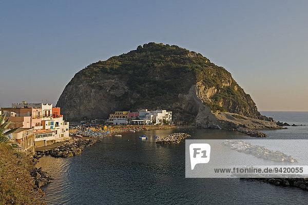 Ausblick auf Halbinsel  Sant Angelo  Ischia  Golf von Neapel  Italien