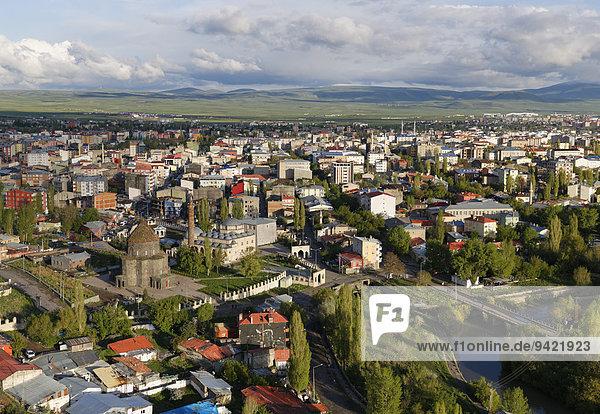 Stadtansicht  Blick von Zitadelle  Kars  Provinz Kars  Ostanatolien  Anatolien  Türkei