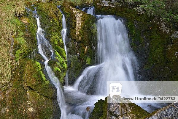 Doser Wasserfall  bei Häselgehr  Lechtal  Tirol  Österreich