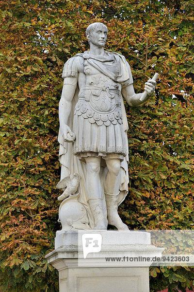 Statue des Gaius Julius Cäsar  römischer Kaiser  im Jardin des Tuileries  Tuilerien-Garten  Paris  Frankreich