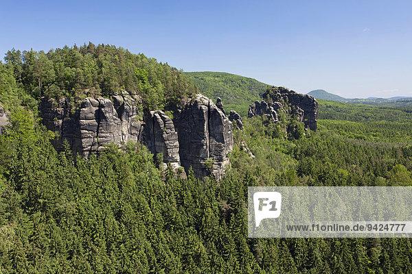 Die Breite Kluft bei den Affensteinen im Elbsandsteingebirge  Sachsen  Deutschland  Europa