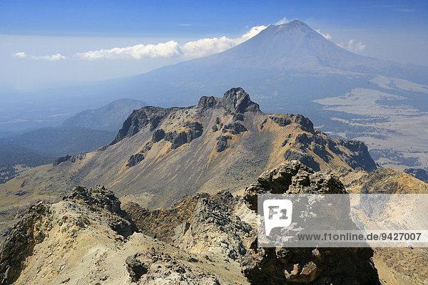 Berglandschaft vom Iztaccíhuatl aus  Nationalpark Iztaccíhuatl-Popocatépetl  Puebla  Mexiko