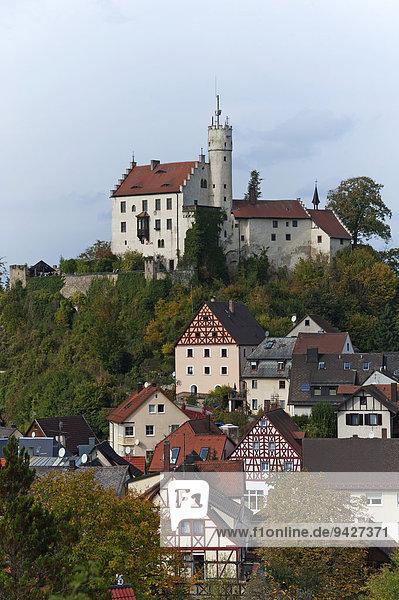 Burg Gößweinstein  11. Jhd.  1890 im neugotischen Stil umgebaut  Gößweinstein  Oberfranken  Bayern  Deutschland
