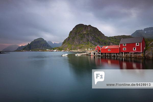 Abendstimmung auf den Lofoten bei A  Norwegen  Europa