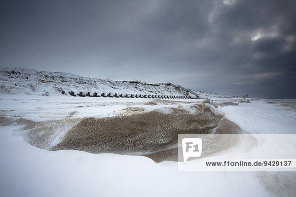 Winterstimmung mit Eis und Schnee  Insel Sylt  Schleswig-Holstein  Deutschland  Europa