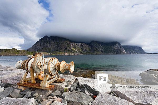 Hafenanlage von Heaningsvear  Lofoten  Norwegen  Skandinavien  Europa  ÖffentlicherGrund