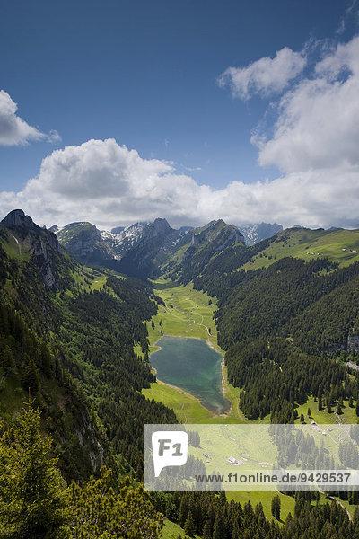 Blick vom Hohen Kasten auf den Alpstein mit Sämtisersee  Appenzell  Schweiz  Europa
