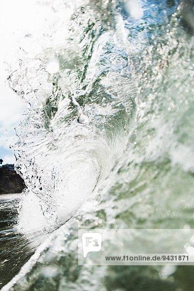 Nahaufnahme der rollenden Meereswelle  Encinitas  Kalifornien  USA