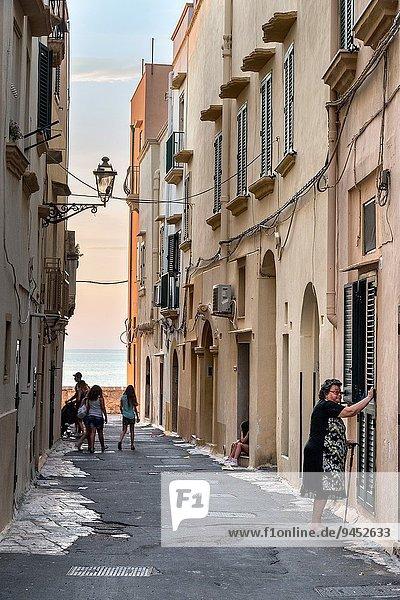 Kälte Sommer Abend Stadt angeln Apulien alt