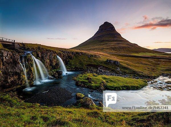 Berg Sonnenuntergang Ziel dramatisch Tourist Wasserfall Island Halbinsel