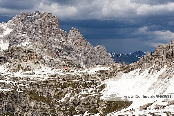 Dreizinnenhütte und Schusterplatte  Ausblick vom Zinnenkopf  Sextner Dolomiten  Provinz Südtirol  Italien  Europa