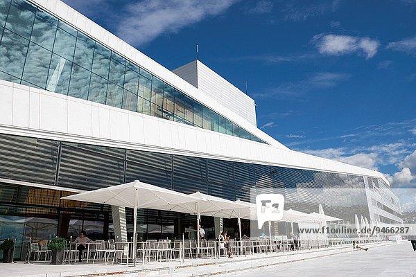 Oslo, Hauptstadt, Opernhaus, Oper, Opern, Außenaufnahme, Regenschirm, Schirm, Norwegen, Kaffee