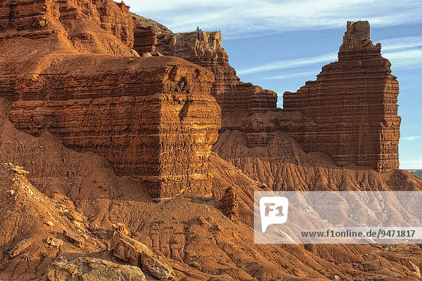 Chimney Rock und Sandsteinformationen  Capitol-Reef-Nationalpark  Utah