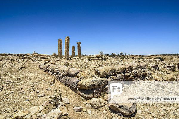 Säulen  Überreste in Qohaito  Eritrea  Afrika