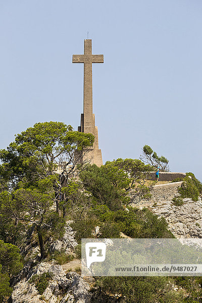 Creu d'es Picot  tall stone cross at the Santuari de Sant Salvador  Sanctuary of Sant Salvador  near Felanitx  Majorca  Balearic Islands  Spain  Europe