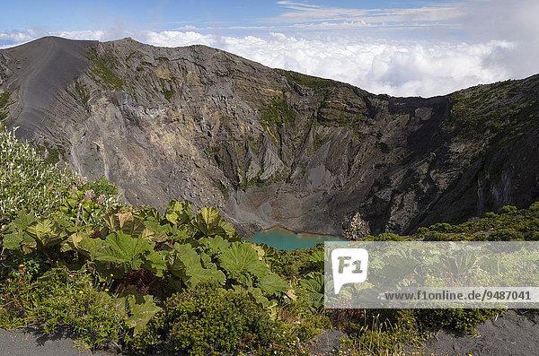 Hauptkrater Vulkan Irazu mit Kratersee  Nationalpark Vulkan Irazu  Provinz Cartago  Costa Rica  Nordamerika