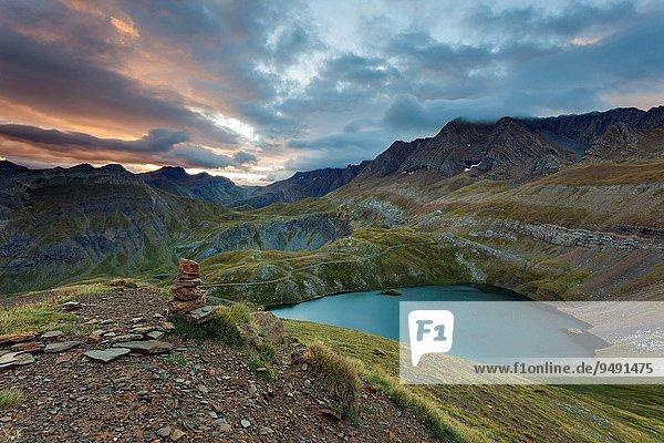 Sonnenaufgang Aragonien Huesca Pyrenäen Spanien