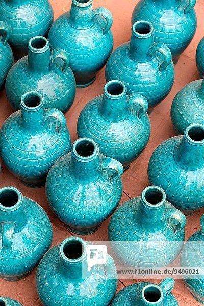 Farbaufnahme Farbe Boden Fußboden Fußböden Glas Laden türkis Asien Iran