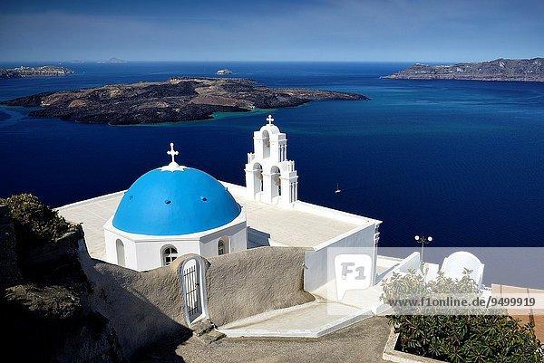 Kuppel Vulkan Ignoranz Kirche Dorf Insel blau Griechenland russisch orthodox russisch-orthodox Ägäisches Meer Ägäis Kuppelgewölbe Fira griechisch Thira
