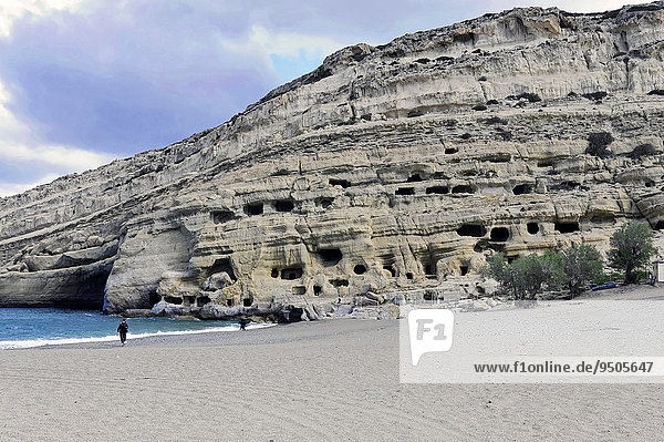 Felshöhlen  Wohnhöhlen  Strand von Matala  Matala  Kreta  Griechenland  Europa