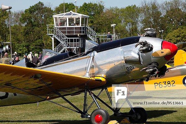 zeigen Vereinigte Staaten von Amerika USA Großbritannien Training Himmel bauen Pilot Luftfahrzeug Flugplatz Bedfordshire Doppeldeckerflugzeug Doppeldecker Kollektion alt