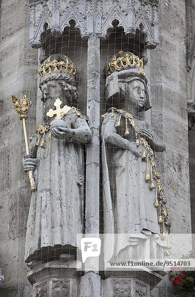 Emperor Otto I. and Queen Adelheid  figures on the Old Town Hall  Braunschweig  Lower Saxony  Germany  Europe